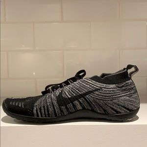Nike Hyperfeel sneakers - new
